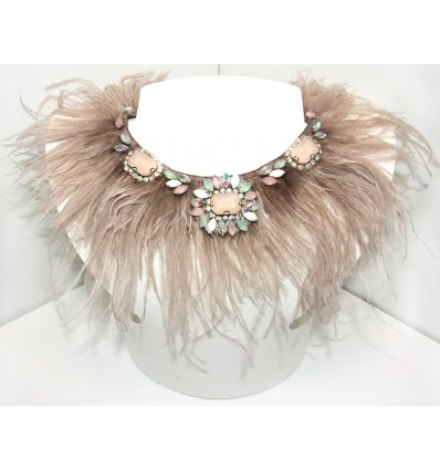 FEATHERS AND PASTEL STONES NECKLACE IN BEIGE